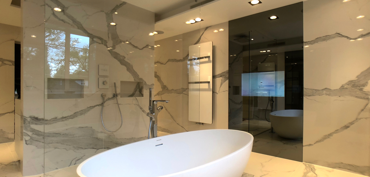 Bespoke Bathroom 32″ Mirror TV